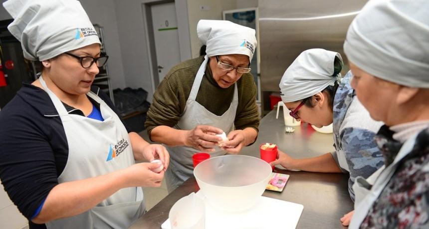 Enseñan deliciosas opciones para diabéticos en la Escuela de Oficios de San Fernando
