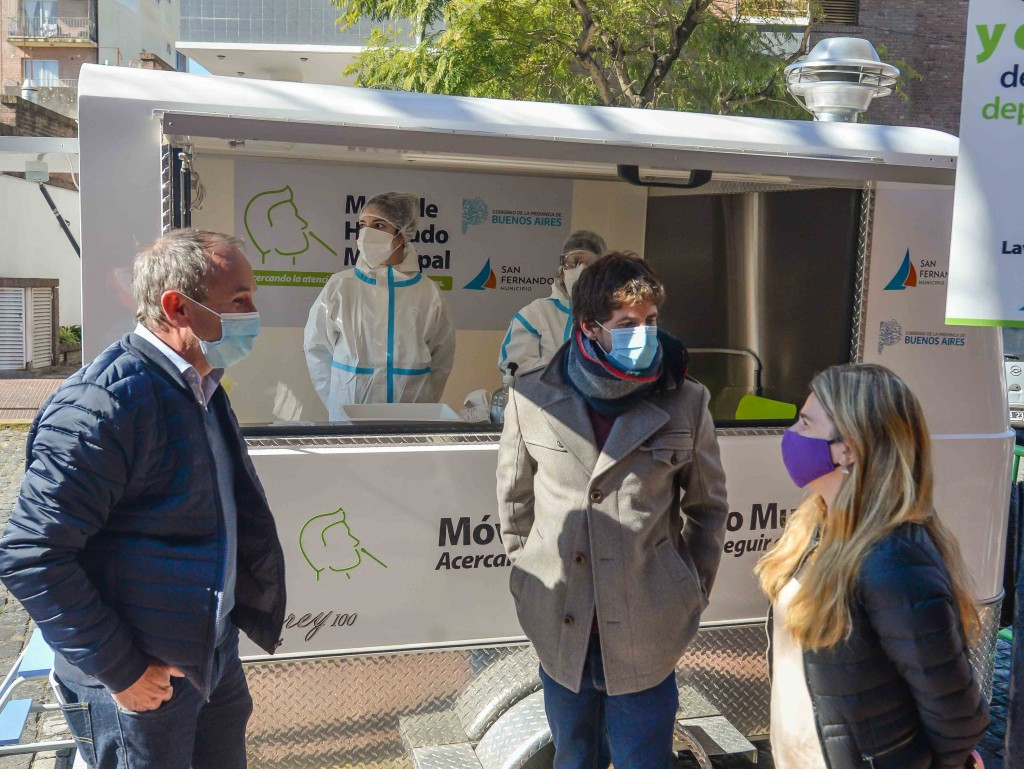 Juan Andreotti presentó un nuevo Móvil de Hisopados Municipal que recorrerá barrios de San Fernando