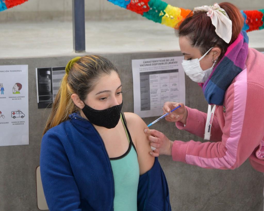 Comenzó en San Fernando la vacunación para jóvenes de 12 a 18 años con factores de riesgo