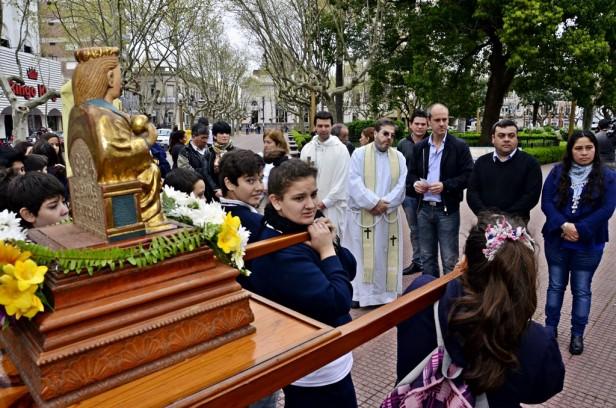 Peregrinación del Colegio San Martín de Tours en vísperas de las Fiestas Patronales de San Fernando