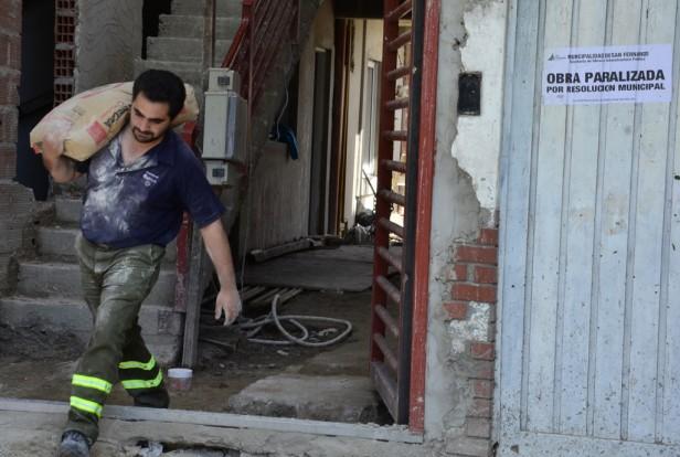 Detuvieron la construcción clandestina de un edificio en San Fernando: habían roto fajas de clausura