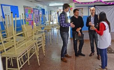 El Municipio de San Fernando entregó mobiliario faltante a la Escuela N° 27, integrada a la doble escolaridad