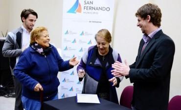El Municipio de San Fernando firmó las escrituras de sus casas a 35 familias