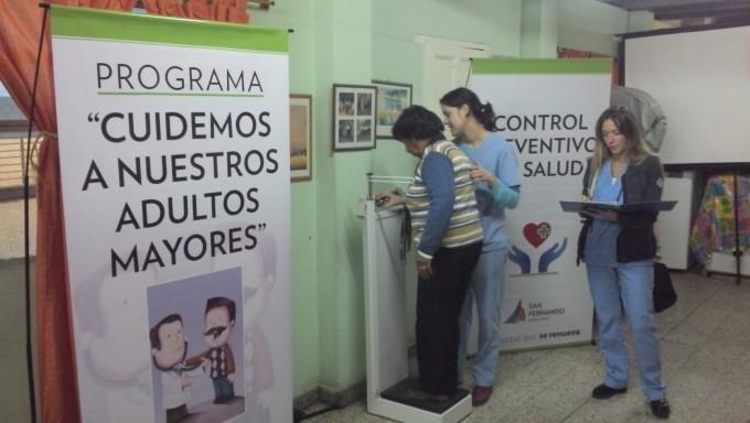 El Municipio realiza controles de salud y talleres de nutrición en los centros de jubilados