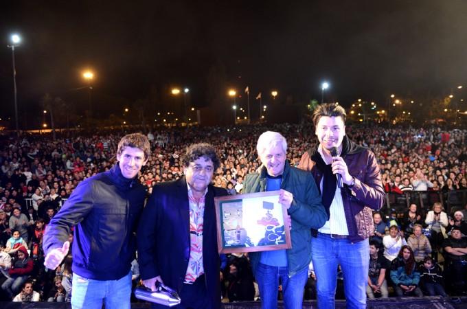 30 mil vecinos bailaron con 'Los Palmeras' en San Fernando