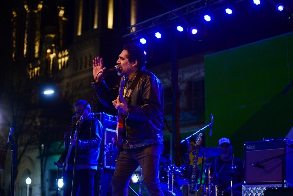 Miles de vecinos disfrutaron el show de ´La Mississippi´ en el Encuentro Nacional de Artesanos en San Fernando