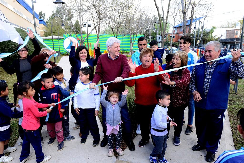 """Andreotti inauguró la nueva Plaza """"Madre Teresa"""""""