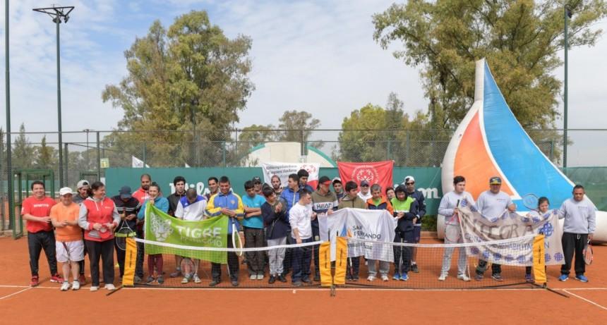 Alumnos de la Escuela de Tenis para Personas con Discapacidad participaron de un Torneo Regional