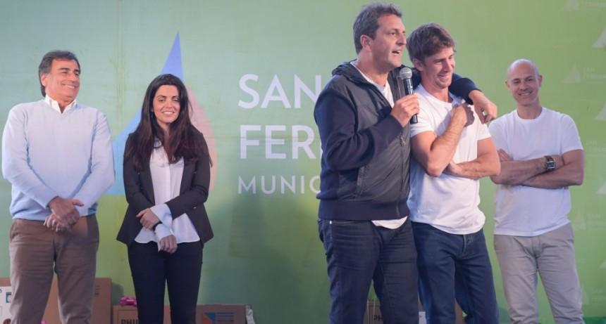 Juan Andreotti y Sergio Massa festejaron el Día del Jubilado en San Fernando junto a 2.500 abuelos