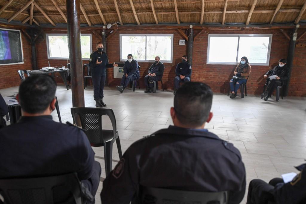 San Fernando acompañó una capacitación de violencia de género para el personal de las comisarías de la zona