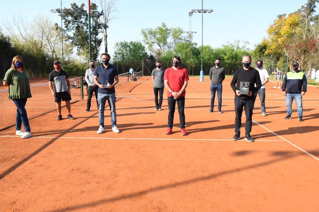 San Fernando y Mariano Zabaleta junto a la Asociación Argentina de Tenis recorrieron los clubes de la ciudad para supervisar protocolos