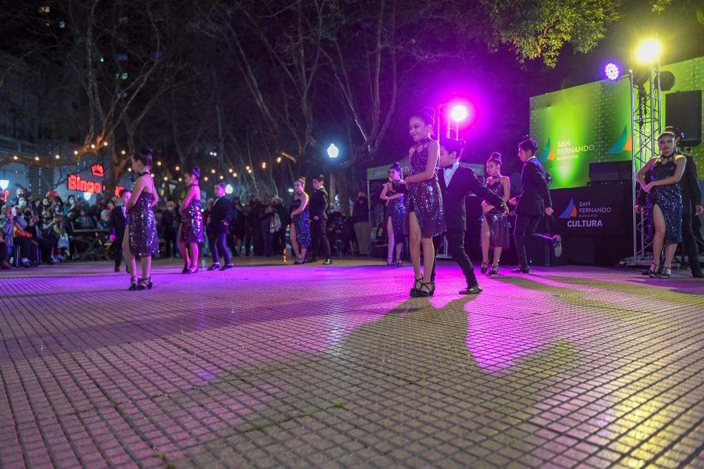Se realizó una nueva Milonga al Aire Libre  en la plaza Mitre de San Fernando