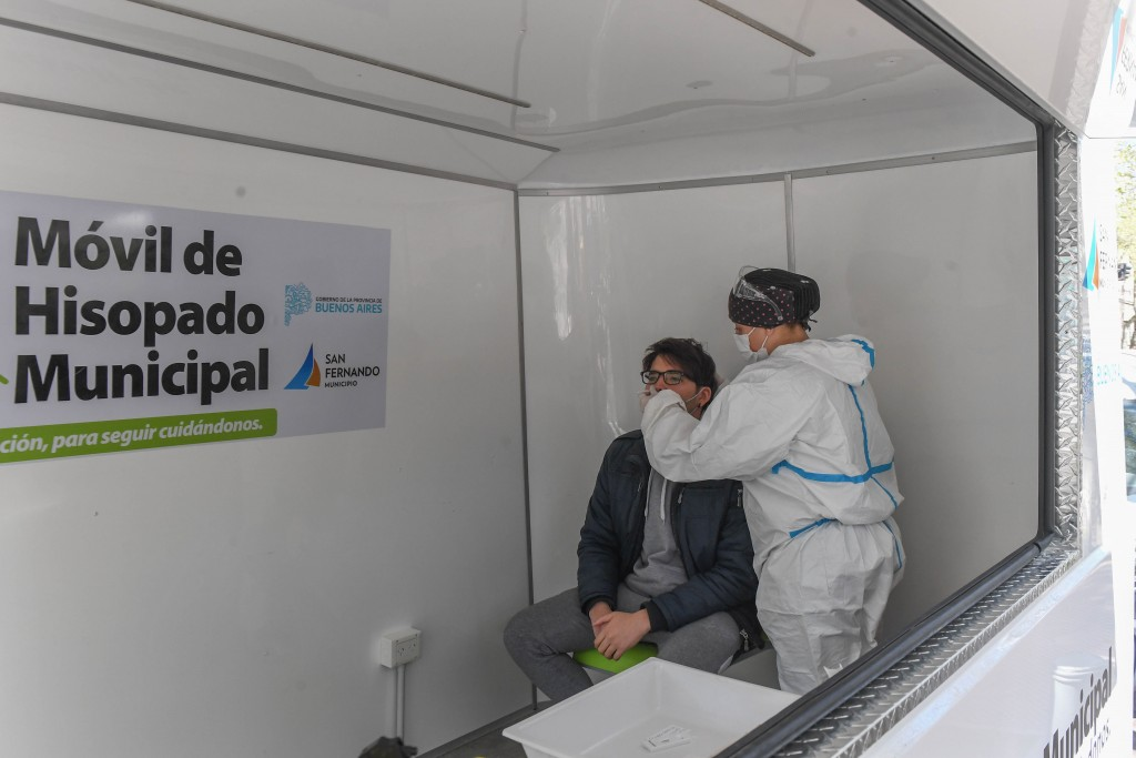 El Móvil de Hisopados Municipal de San Fernando sigue recorriendo y realizando testeos en todo el distrito