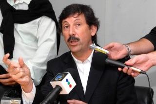 Gustavo Posse quiere trasladar a vecinos de asentamientos a