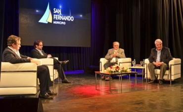 San Fernando: Peirano, M. Lavagna y De Mendiguren disertaron sobre 'Coyuntura Económica Actual y Perspectivas 2015'