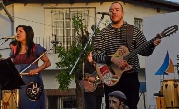 La Misa del Folclorista conquistó la calle con Bruno Arias y la Bruja Salguero
