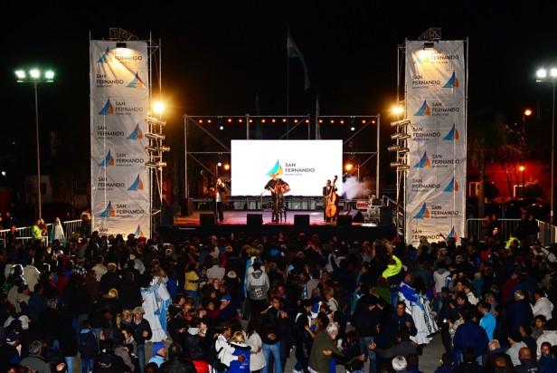 """Miles de sanfernandinos disfrutaron la """"Fiesta del Litoral"""""""