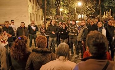 """El Municipio de San Fernando entregó nuevos contenedores de basura a """"Las Mil Viviendas"""""""