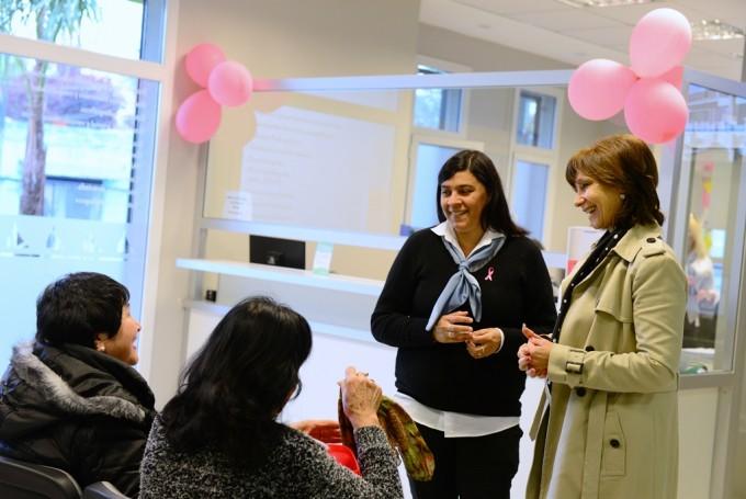 San Fernando previene el cáncer de mama mediante campañas y chequeos gratuitos en la UDP