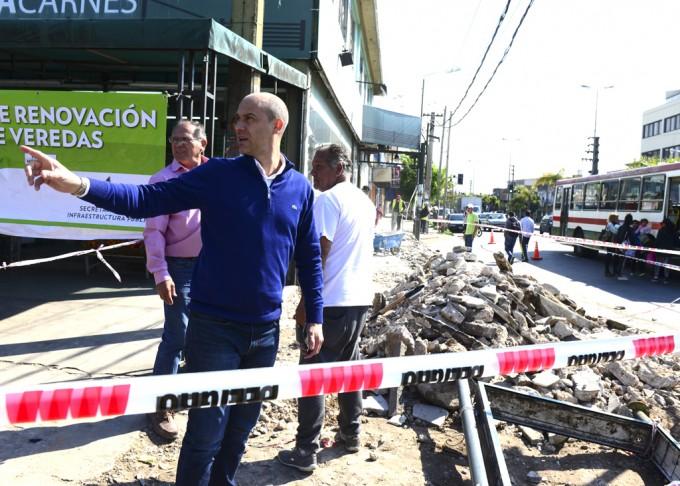 Las veredas de la avenida Avellaneda ya se renuevan desde el Acceso Norte