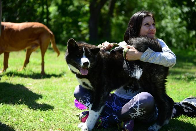 Los vecinos y sus perros aprenden juntos en el Taller de Tenencia Responsable de Mascotas