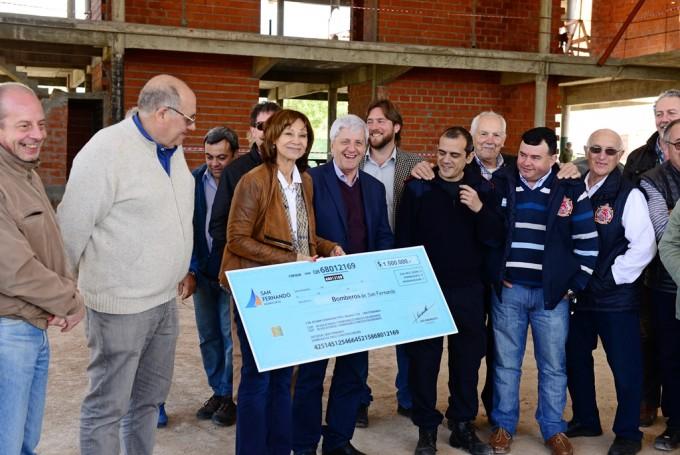 Andreotti recorrió el avance de obra del que será el Cuartel de Bomberos más grande del país