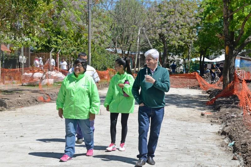Andreotti recorrió importantes obras que se realizan en el barrio San Martín