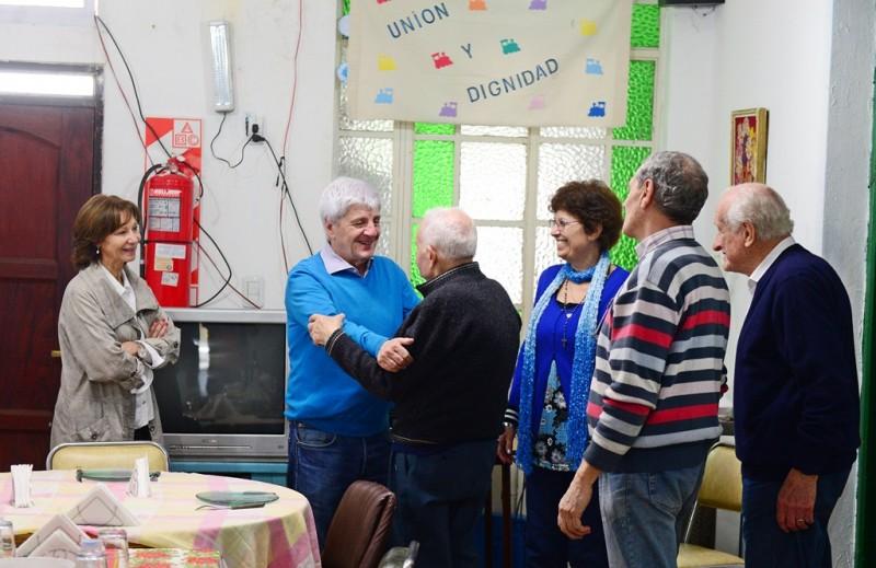 """Luis y Alicia Andreotti visitaron a los abuelos del Centro de Jubilados y Pensionados """"Unión y Dignidad"""""""