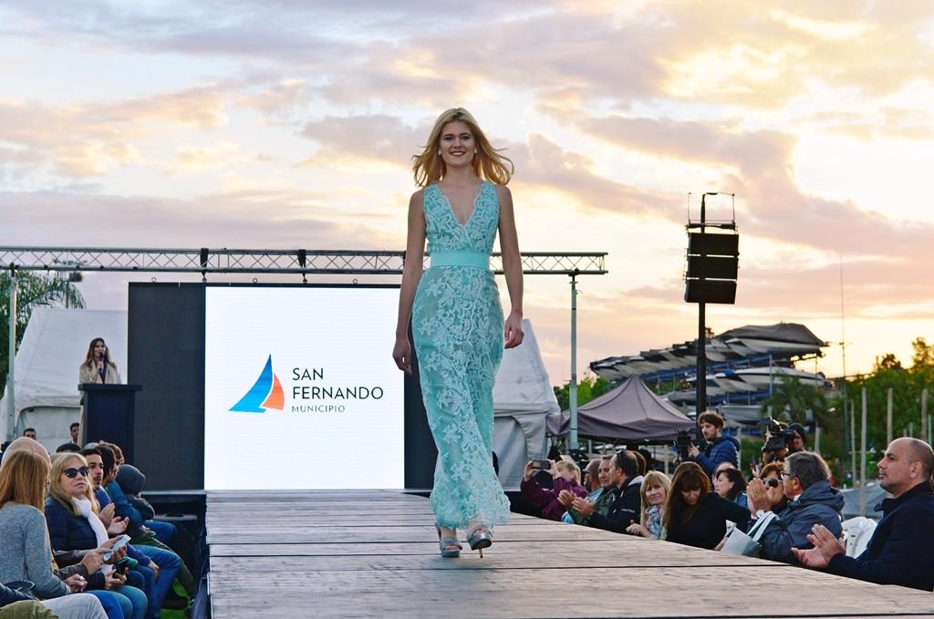 Gran desfile de modas en el Salón Náutico de San Fernando