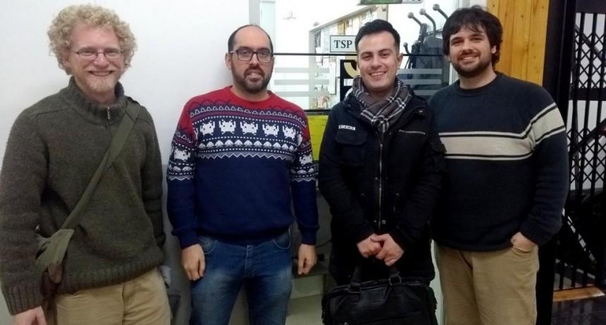 """Alumnos de la Tecnicatura Universitaria en Programación participaron del Torneo """"Tu APP"""", crearon ´Comuni´ y son finalistas"""