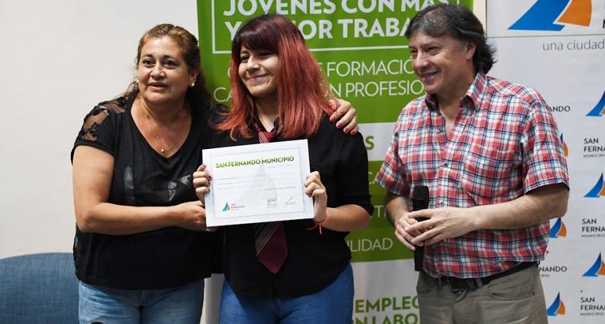 Egresaron del Centro Universitario de San Fernando 80 cursantes de Introducción al Trabajo