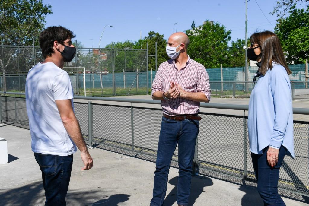 Juan Andreotti recorrió la renovación de la Plaza San Pablo en Virreyes