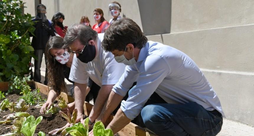 Juan Andreotti presentó la Huerta Orgánica de la Parroquia Nuesta Señora de Aránzazu