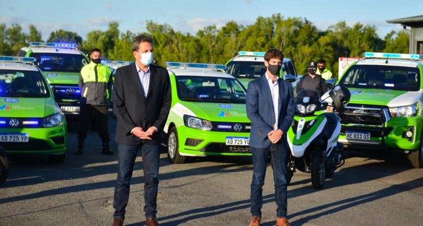 Juan Andreotti y Sergio Massa presentaron 16 nuevos móviles y cámaras de seguridad