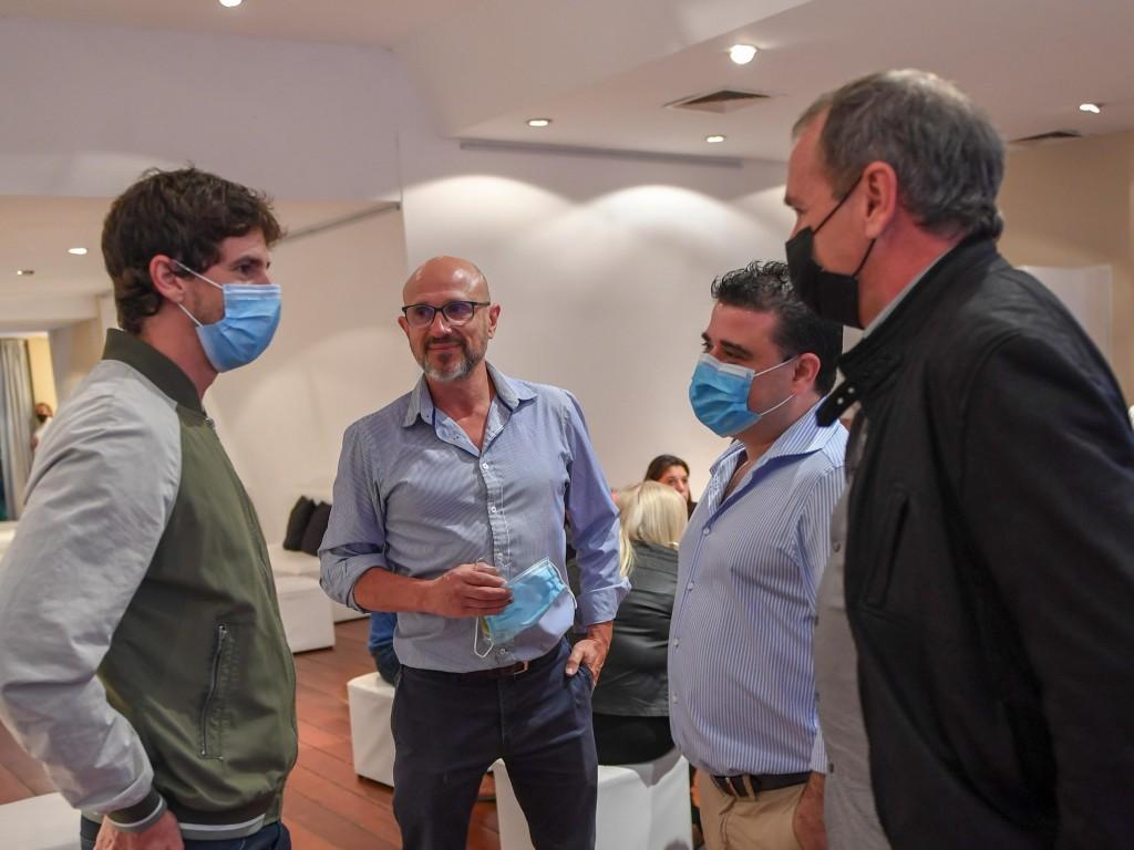 Andreotti homenajeó al personal de Salud pública y privada por su trabajo en pandemia