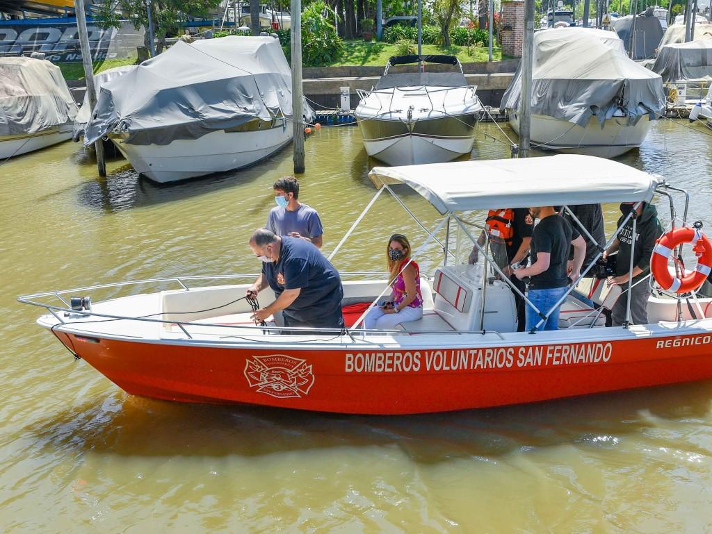 Juan Andreotti y los Bomberos presentaron la nueva lancha destinada a combatir incendios en el Delta