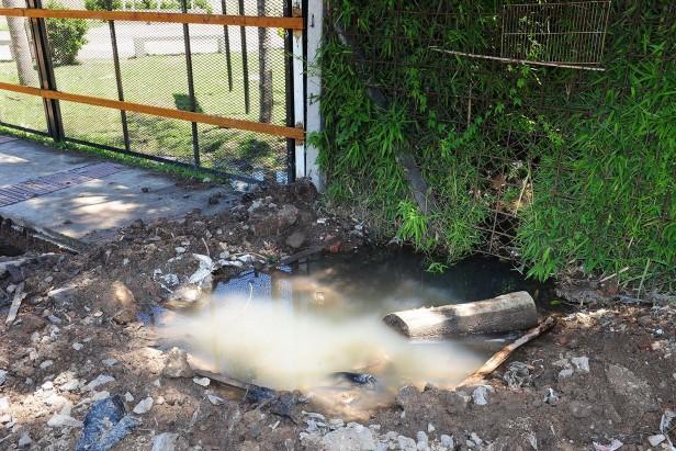 Reclamo de los vecinos de Villa Liniers por obras de PROCREAR