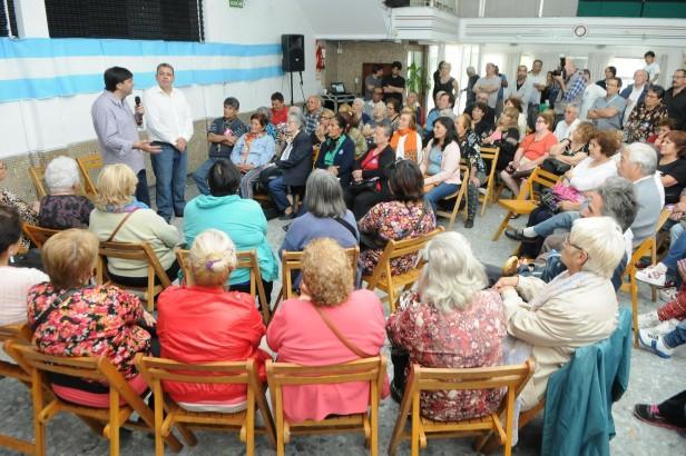 """Bossio en San Fernando: """"Con Scioli los jubilados tendrán garantizado el 82% móvil"""""""