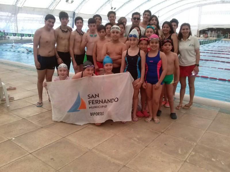 El equipo de natación de San Fernando logró sus primeras medallas en torneos federativos de la FANNBA