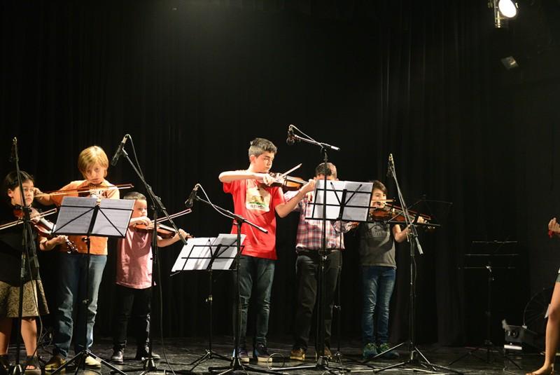 Los Talleres Culturales de San Fernando realizaron su exhibición en el Teatro Martinelli