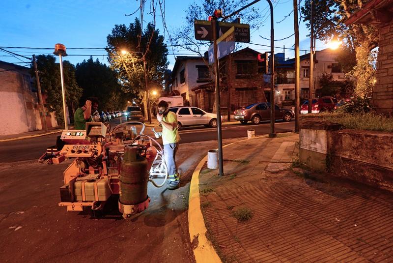 San Fernando hace trabajos de pintura vial en Av. Libertador