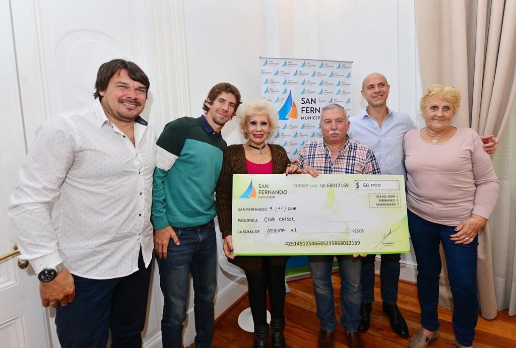 San Fernando entregó una ayuda económica al Club Crisol