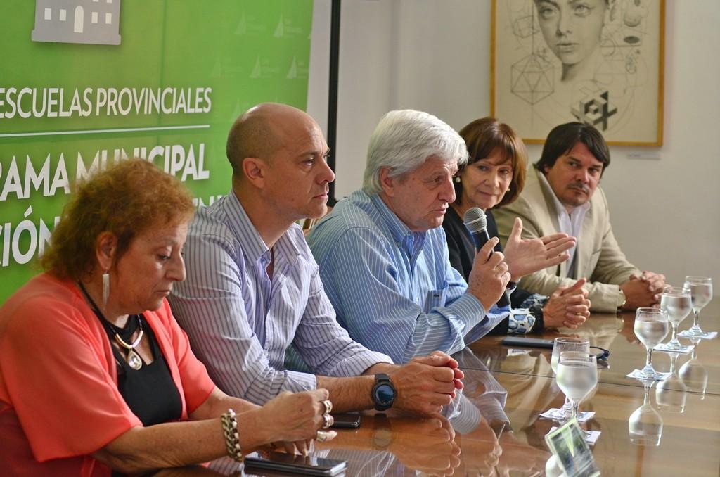 Andreotti entregó nueva ayuda económica para resolver problemas de gas en las escuelas provinciales