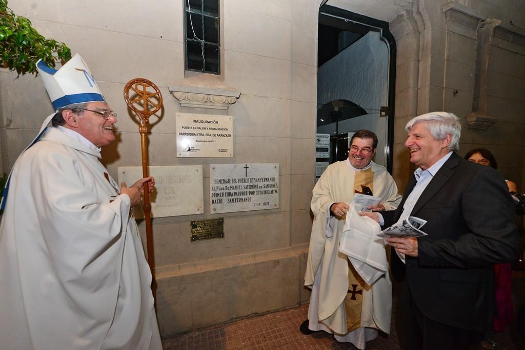 Andreotti acompañó la inauguración del nuevo altar de la Parroquia Aránzazu, a un año de su renovación