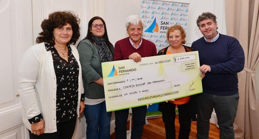 Andreotti entregó una ayuda económica para resolver los problemas de gas en las escuelas provinciales