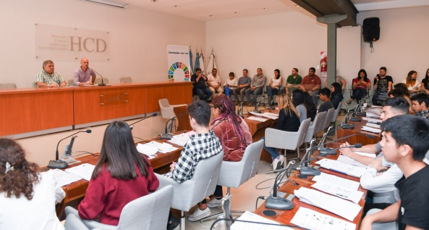 Alumnos sanfernandinos fueron concejales por un día por el cuidado del medio ambiente