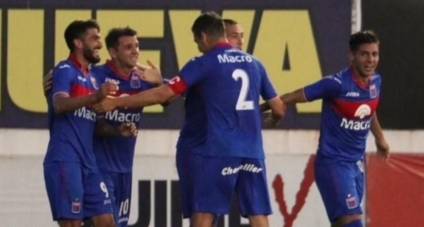 Tigre goleó a Chacarita por 3 a 0 y festejó en San Martín.