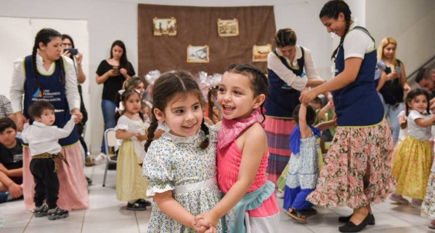 Los Jardines Maternales Municipales de San Fernando festejaron el Día de la Tradición