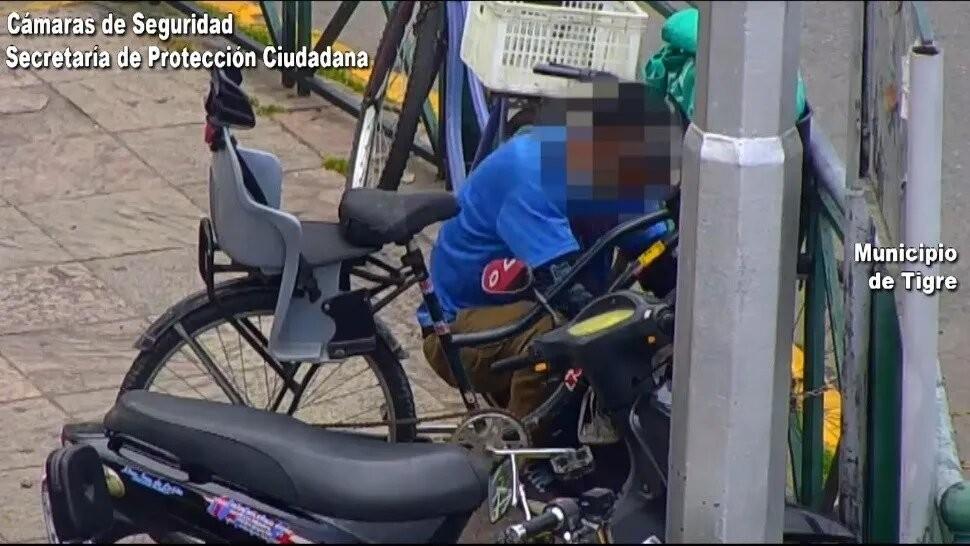 Atrapan a delincuente que intentaba robar bicicletas en el centro de Tigre