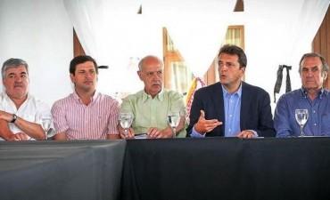 Massa formaliza su aspiración presidencial al lanzar la mesa federal junto a referentes opositores
